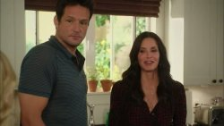 ����� ������ / Cougar Town (3 ����� 2012)